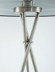 stalen-staande-lamp-met-zwarte-kap-freelight