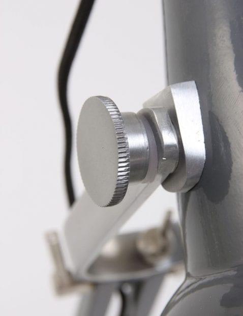 stoer-bureaulampje-grijs-industrieel