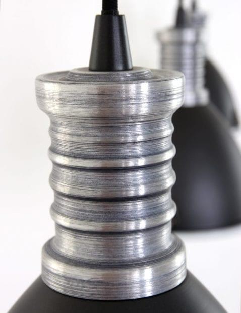 stoer-hanglamp-industieel-zwart