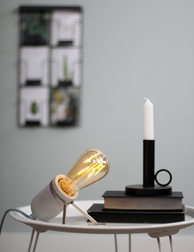 stoer-tafellampje-betonlook