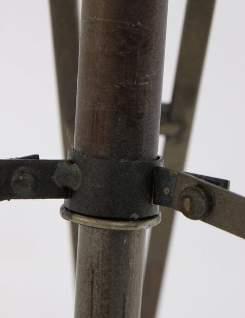 stoere-industriele-tafellamp