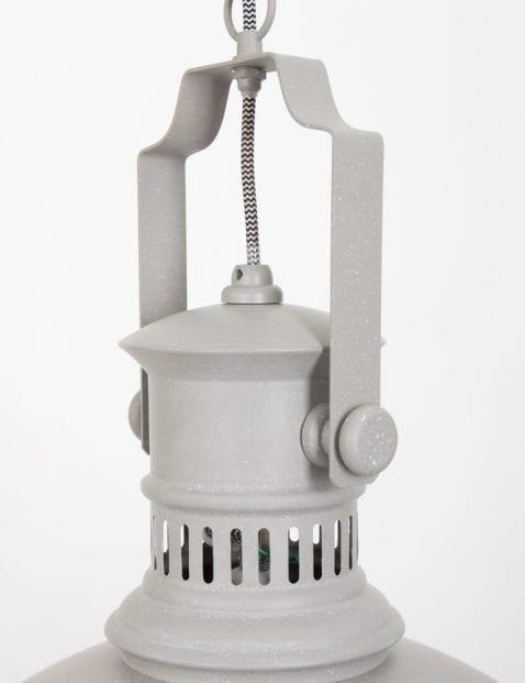 stoere-witte-hanglamp
