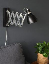 uitschuifbare wandlamp zwart