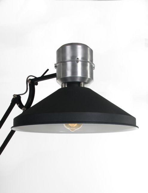 verstelbare-industriele-design-vloerlamp-zwart