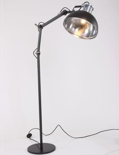 verstelbare-staande-lamp-zwart