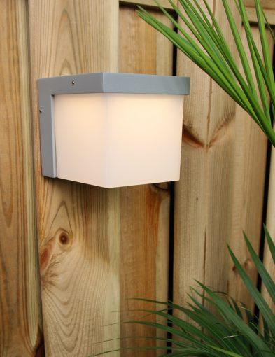vierkante-wandlamp-buitenlamp-staal