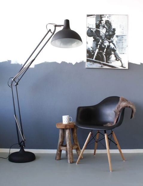 Grote stoere staande lamp Mexlite Office Magna zwart