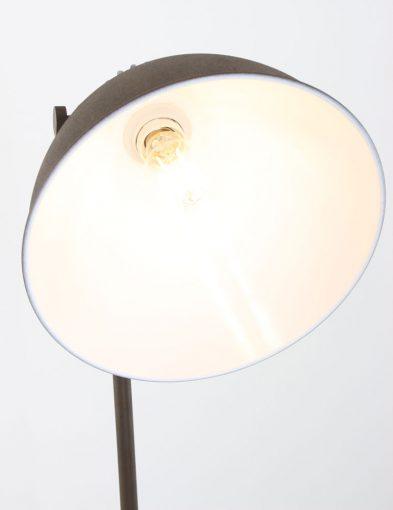 vloerlamp_industrieel_bruin