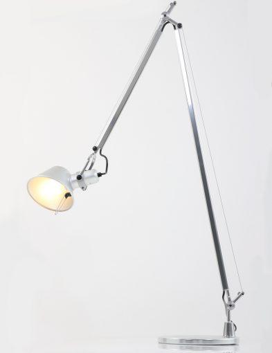 vloerlampen-artemide-tolomeo-met-schakelaar-op-kapje