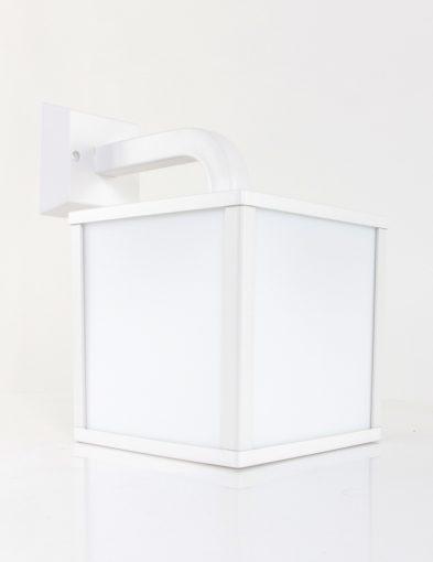wandlamp-tuinlamp-witte-lamp