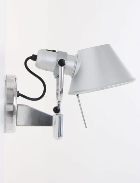 wandlampje-artemide-tolomeo-zijkant