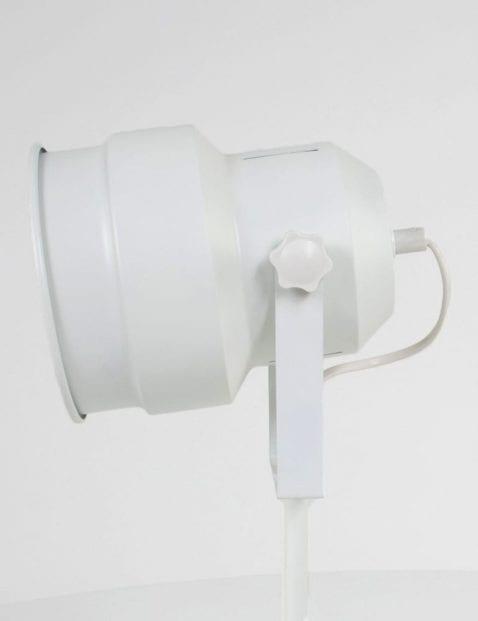 witte-bureaulamp-met-ronde-kap-studio_2