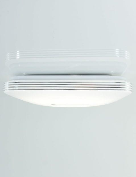 witte-led-plafondlamp-badkamer