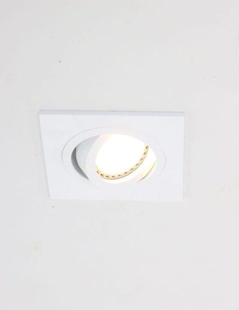 witte-plafondspot-vierkant