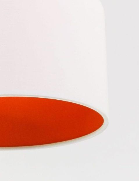 witte-schemerlamp-met-oranje