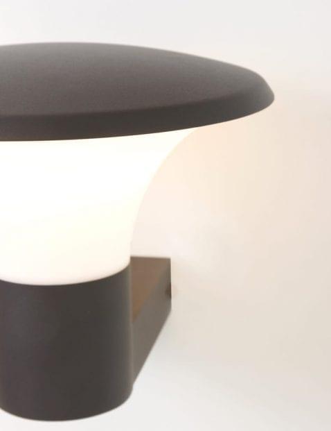 zwart-buitenlampje-modern_2