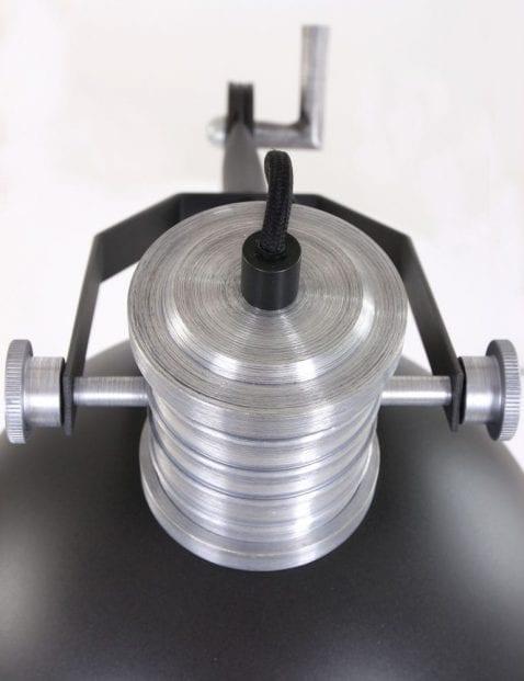 zwart-tafellampje-industrieel-sfeervol