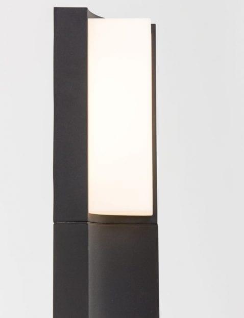 zwarte-buitenlamp-staand