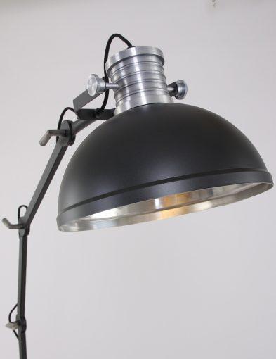 zwarte-fabriekslamp-staand
