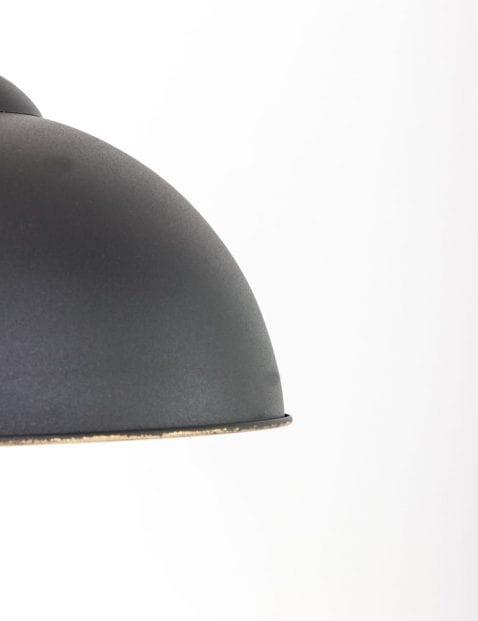 zwarte-hanglamp-gouden-binnenzijde