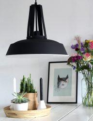zwarte-hanglamp-industrieel-witte-binnenkant