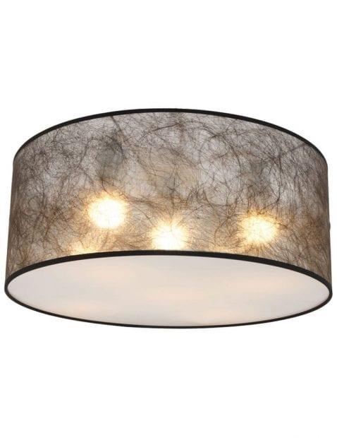 zwarte-plafondlamp-sfeervolle-lichtspreiding