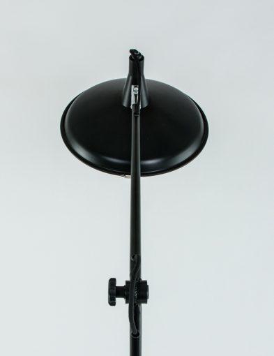 zwarte_vloerlamp_leeslamp