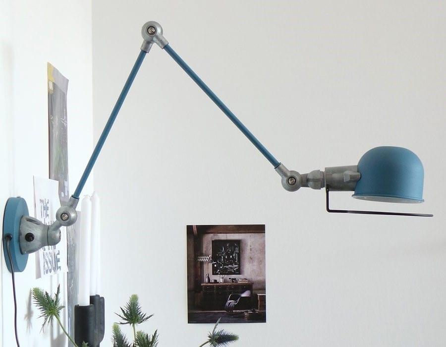 blauwe wandlamp