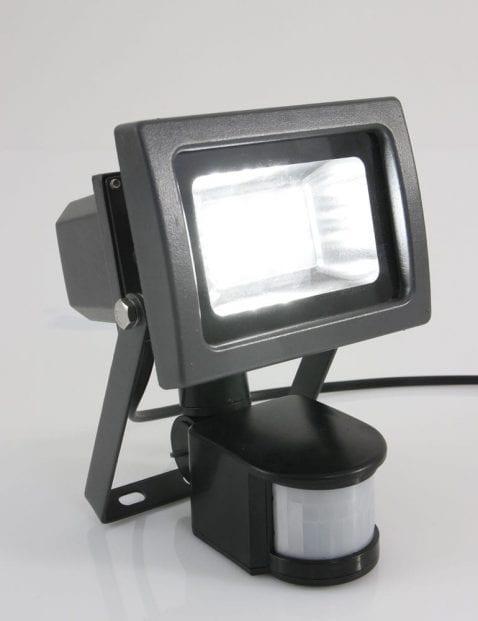 grijze_buitenlamp_met_sensor