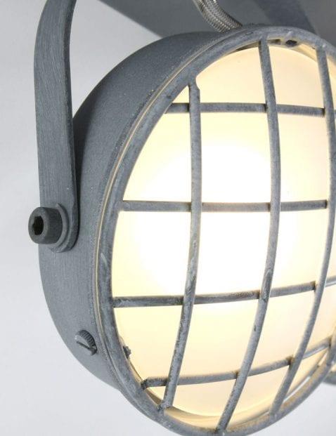 industriele_plafondspot_met_3_lichtbronnen