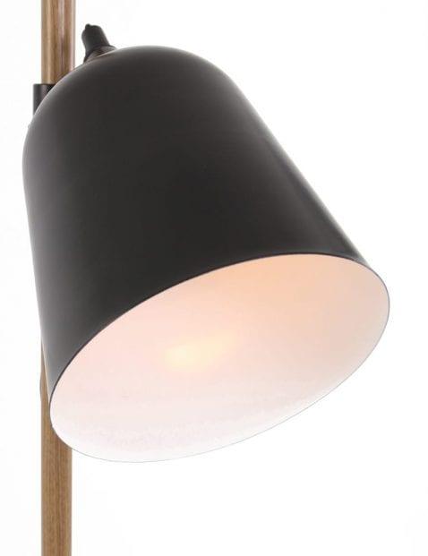 landelijke_staande_lamp_met_houden_details