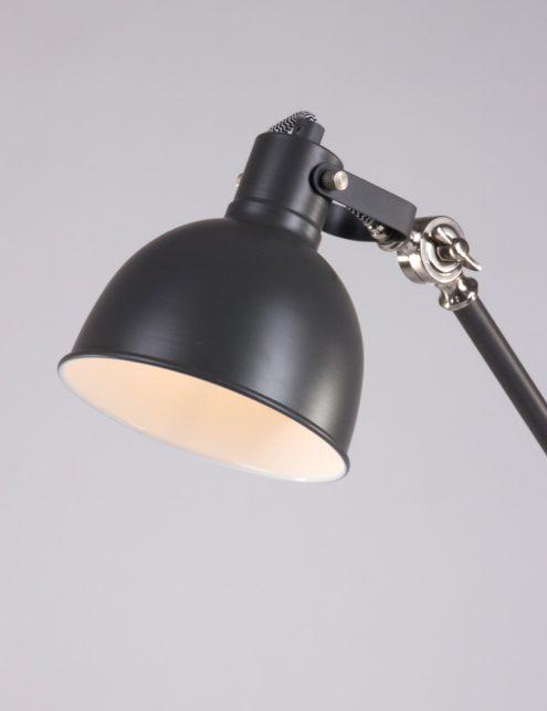 Stoere grijskleurige tafellamp