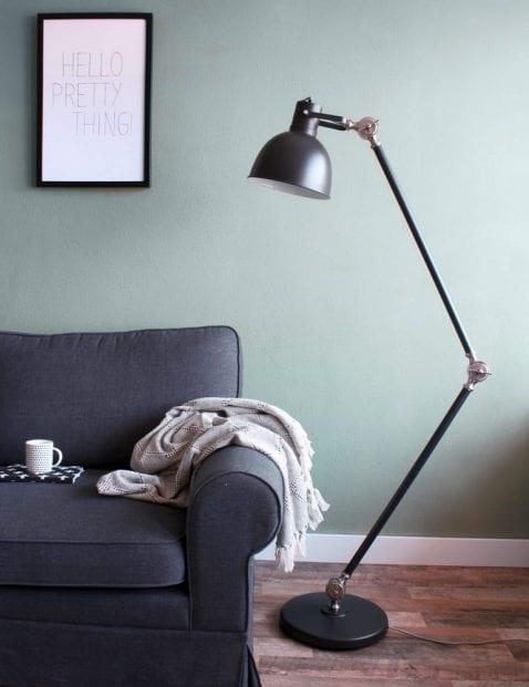 Stoere-vloerlamp-zwart-industrieel