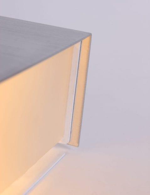 Wandlamp-staal