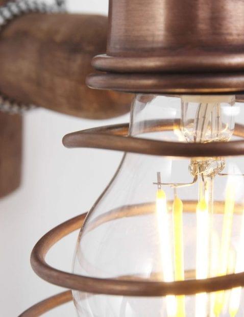 hout en koperen wandlamp