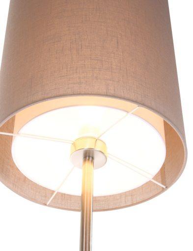 huiselijke staande lamp lichtbruin