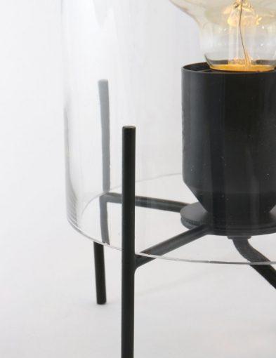 lamp met glazen kap en metalen voet