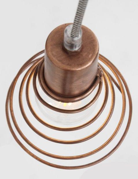 wandlamp met koperen spiraalkap