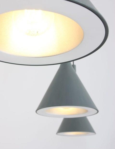 Drielichts-hanglamp-grijs-modern