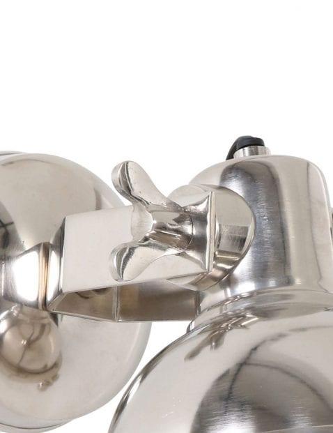 Stoere-wandlamp-details-sfeervolle-lichtspreiding