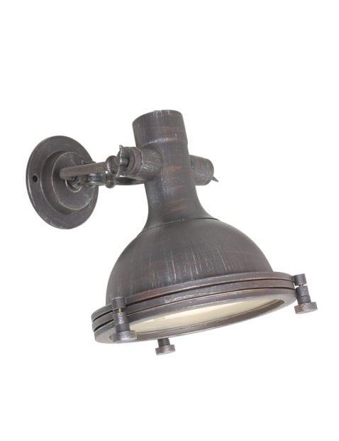 Verweerde wandlamp bruin