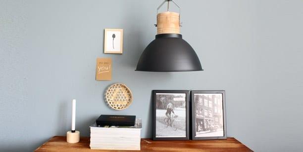 Houten-hanglamp-zwart