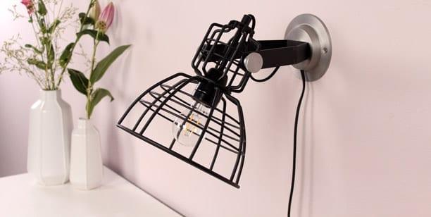 wandlamp-zwarte-draad