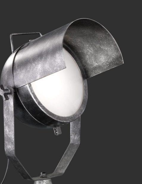 Industriële-tafellamp-met-kantelbare-kap-1