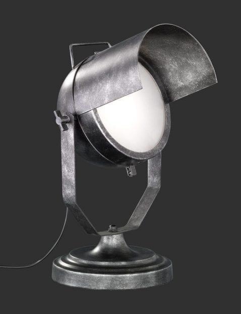 Industriële-tafellamp-met-kantelbare-kap-3