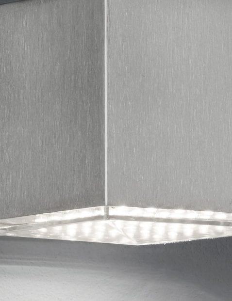 Kubus-wandlamp-staal-2