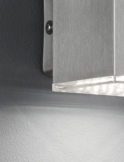 Kubus-wandlamp-staal-3