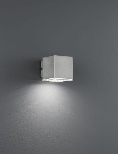 Kubus-wandlamp-staal-4