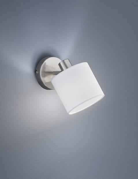 Moderne-wandlamp-1