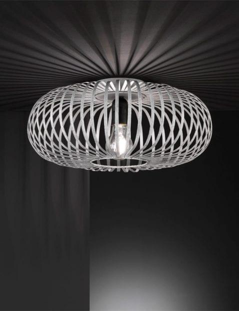 Ronde-spijlen-plafondlamp-1